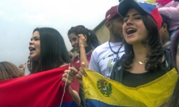 Venezolanos y colombianos somos un solo corazón