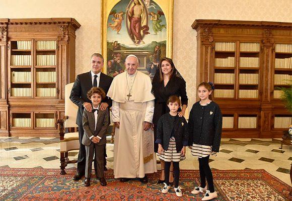 Bendición papal a la familia Duque