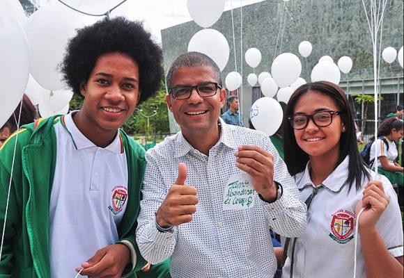 Gran golpe a la deserción escolar de los jóvenes en Medellín