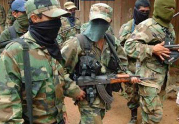 ¿Cómo las autodefensas evolucionaron a Convivir y a paramilitares?