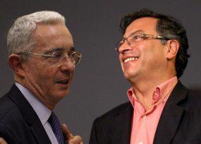 Víctimas de crímenes de Estado atacan a Petro por aliarse con Uribe