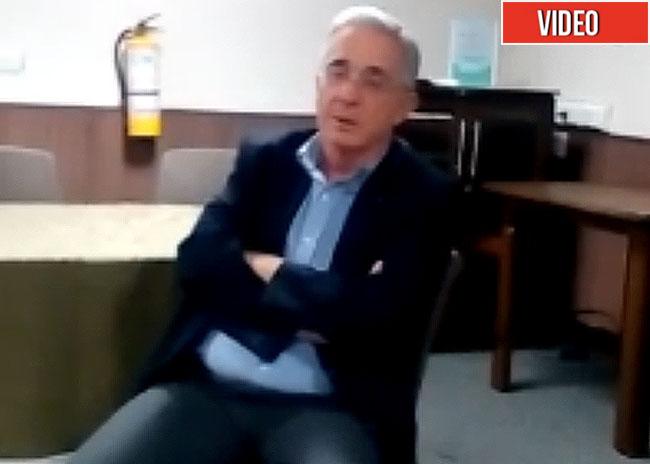 [Video] Uribe es sorprendido hablando mal de Duque