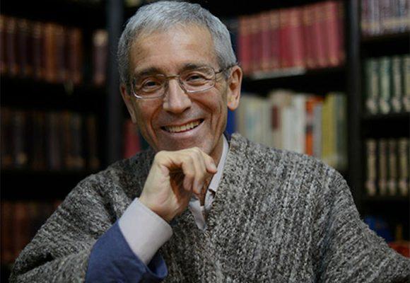 Ni camandulero ni radical: Pacho De Roux tras la verdad de la guerra