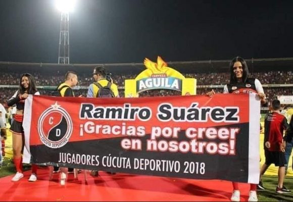 Ramiro Suarez, ex alcalde condenado por asesinato, termina vitoreado por el Cúcuta