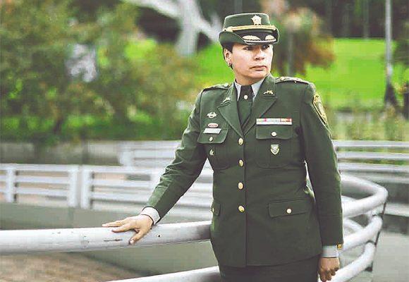Orgullosa de ser lesbiana y teniente coronel de Policía