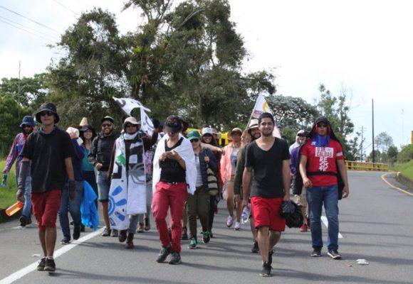 Caminando a Bogotá, estudiantes sin parar