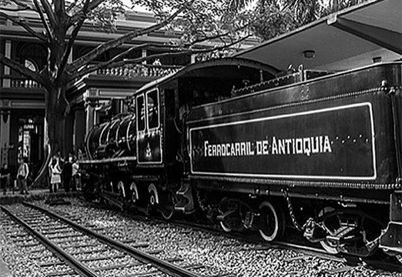 ¿De dónde salieron los recursos de IDEA para el desarrollo de Antioquia?