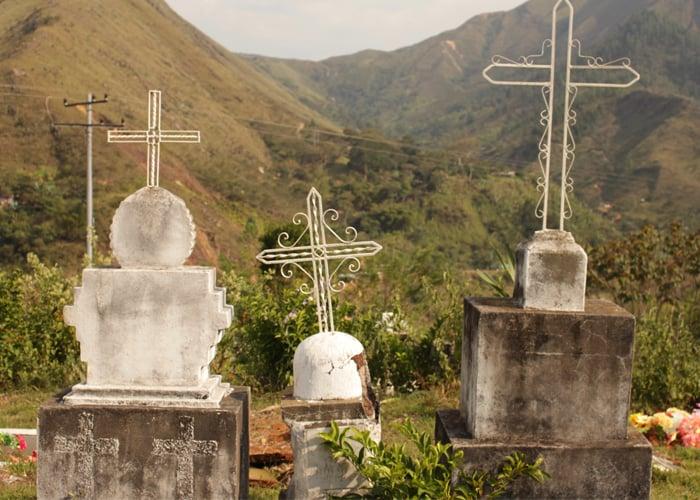 De la cuna al cementerio: así es la vida de los jóvenes en Apartadó