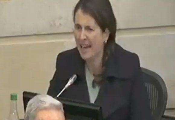 Conversiones gestuales de Paloma: semiosis de un discurso