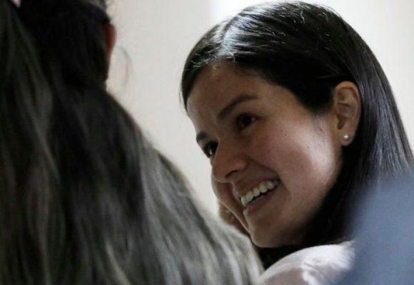 Paola Solarte, vinculada al caso Odebrecht, vuelve a casa con sus dos hijos