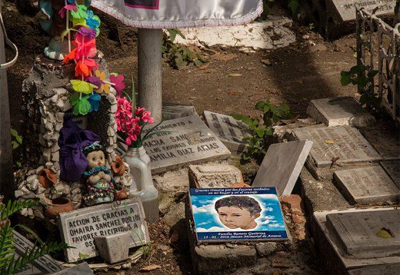 La peregrinación a la tumba de Omaira en Armero