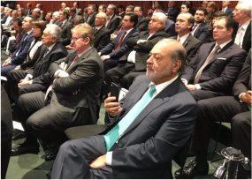 Carlos Slim acompañó a AMLO en su juramento