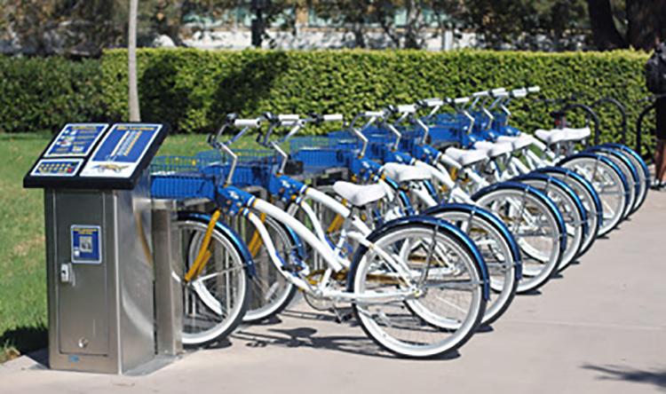 Carros, bicicletas y patinetas compartidas: ¿aquí para quedarse?