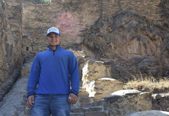 De vago a estudiante becado, la historia de Jonathan Zapata
