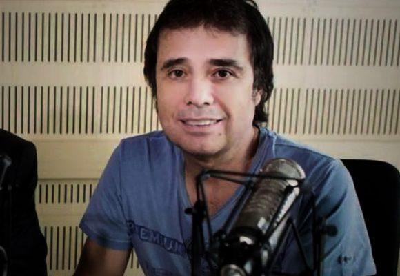 """""""A César Augusto Londoño le quedó grande El pulso del fútbol"""""""