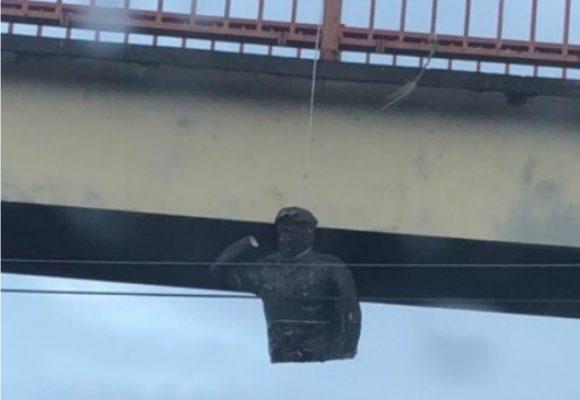 ¿Empezó la rebelión contra el chavismo?: destruyen estatua de Chávez