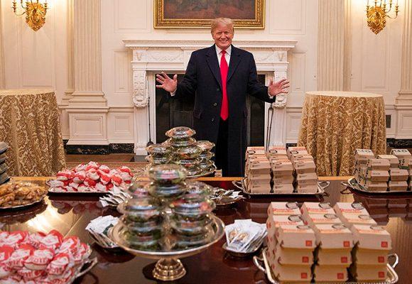 Trump recibió con comida chatarra a los campeones universitarios