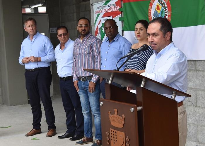 Alcalde de Tuluá le exigió al gobierno nacional celeridad en obras de colegios