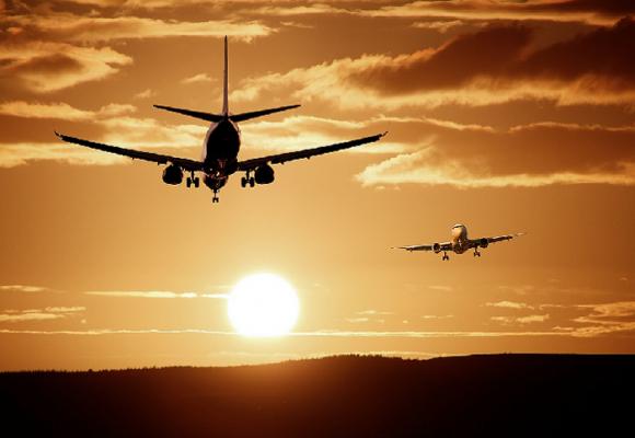 Por cepa brasileña Colombia cancela vuelos hacia Leticia