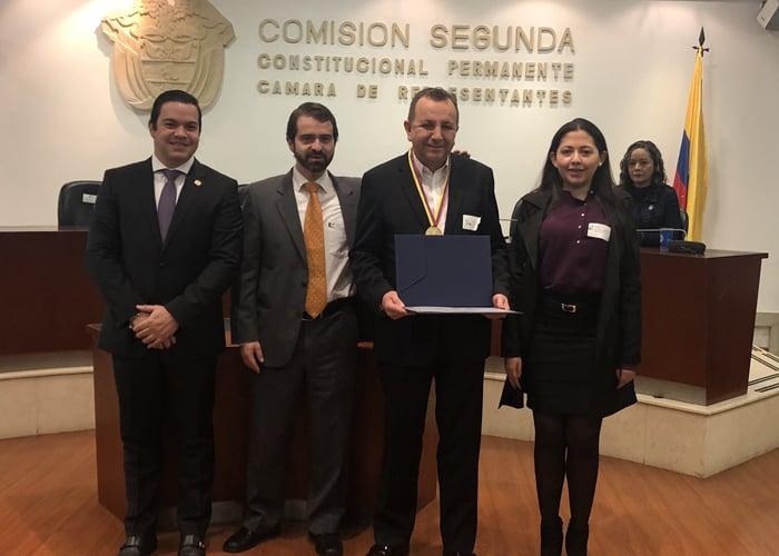 Un reconocimiento para los Colombianos Estrella