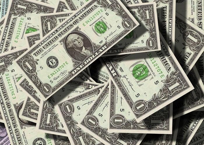 Fuerte alza del dólar en Colombia