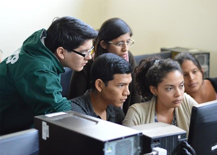 El aula de clases, un espacio para el diálogo y la libertad de opinión