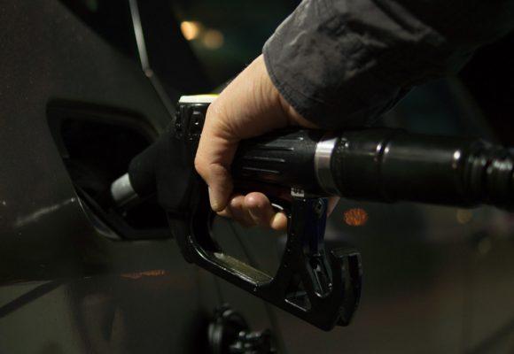 Las mañas de las gasolineras para no acojerse a los decretos de rebaja de precios