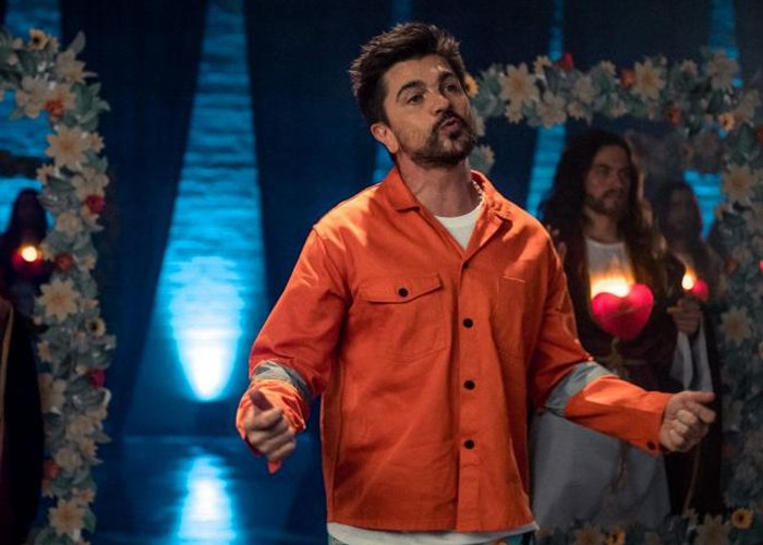 Escuchar a Juanes cantando vallenato es como ver a un cachaco con chanclas y medias en la playa