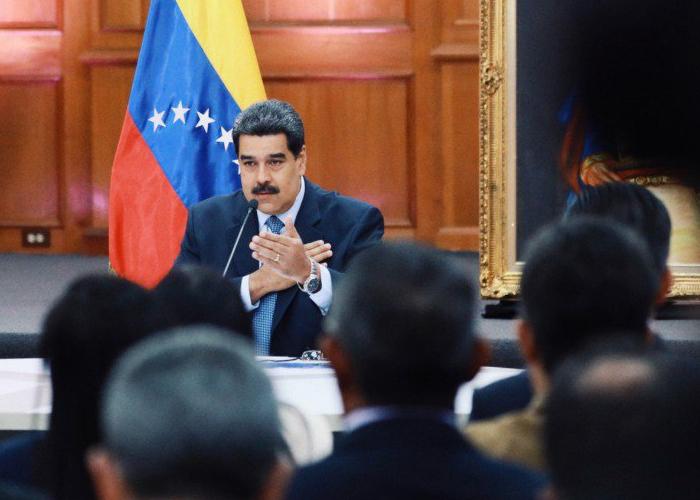 ¿Y por qué no cae Maduro?