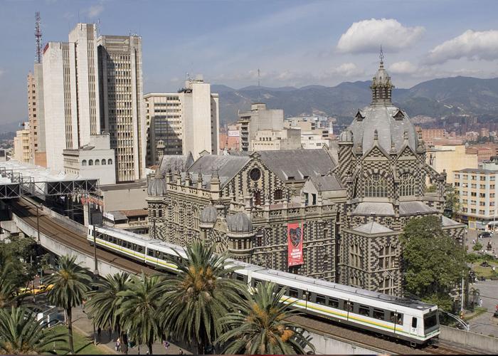 Medellín: entre la innovación y la extorsión