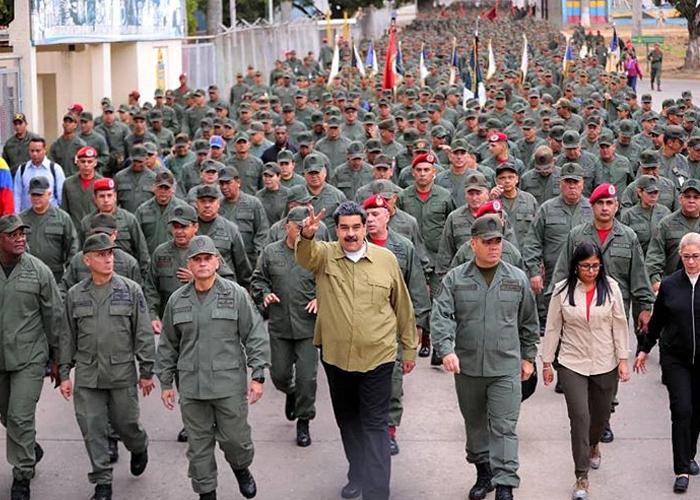 Ante la posible intervención a Venezuela, ¿quién va a atender a los desplazados?