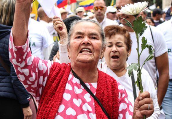 Estamos ad portas de un genocidio en Colombia y nadie dice nada: vergüenza