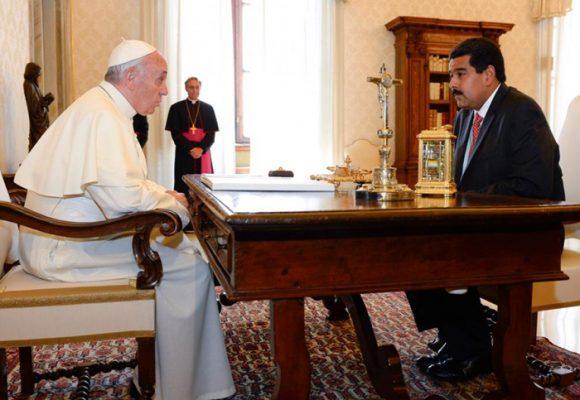 Veinte expresidentes quieren que el papa Francisco tumbe a Maduro