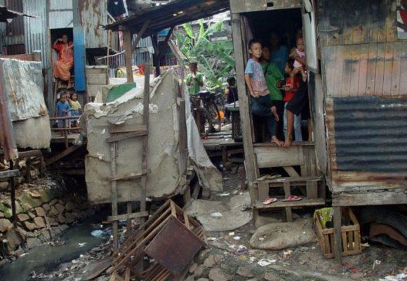 Ser pobre, una maldición para los colombianos