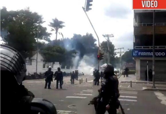 [VÍDEO] Vuelven los enfrentamientos entre estudiantes y ESMAD