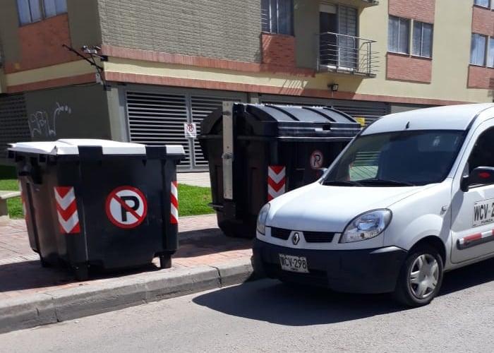 Señores de Bogotá Limpia, ¿para cuándo los contenedores de tapa blanca en toda la ciudad?