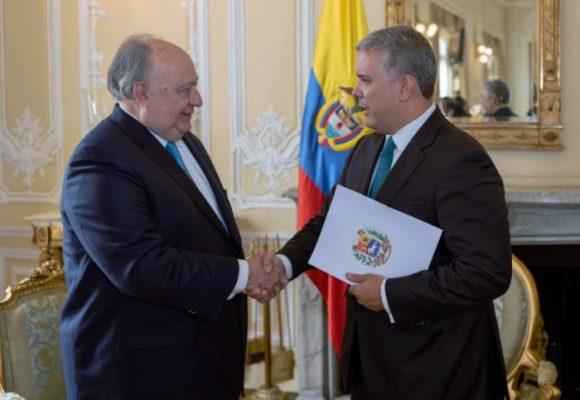 El embajador de Juan Guaidó en Colombia empieza a ejercer