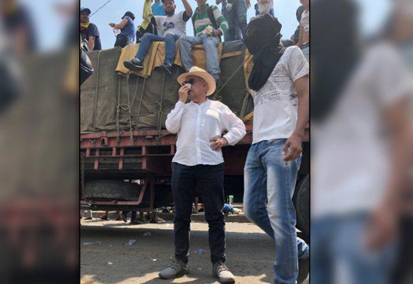 José Obdulio Gaviria se remanga en la frontera