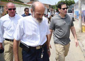 Por fuera de protocolo, Marco Rubio se reunió con el padre Bortignon en Cúcuta