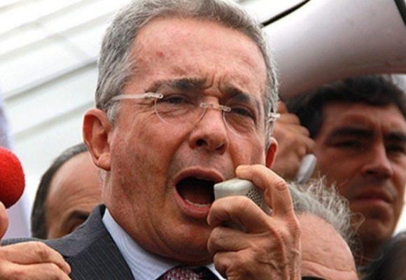 Le entregaron el país a las FARC