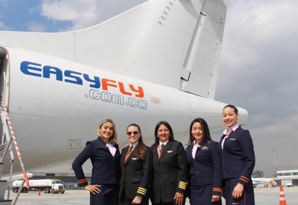 La respuesta de Easyfly a Avianca: Vuelos con tripulación femenina y lleno total