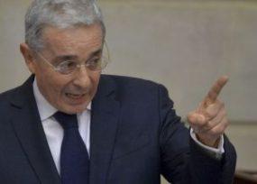Uribe se anticipa rabiosamente a posible fallo de la Corte Constitucional sobre JEP