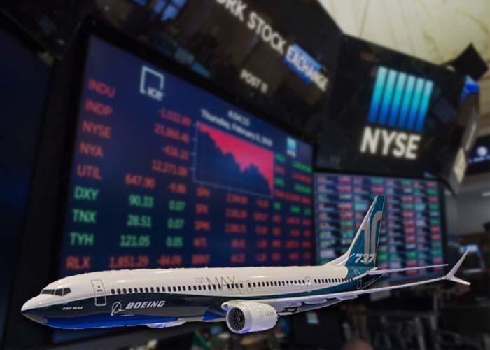 Acción de Boeing colapsa tras suspensión masiva de vuelos