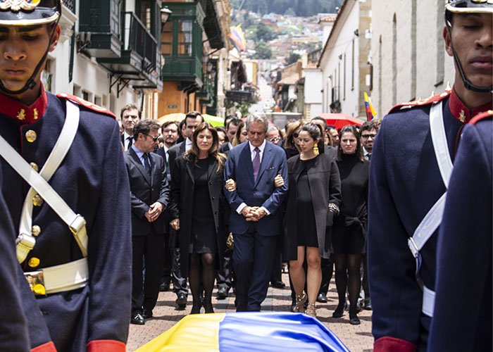 Funeral y honores a Gloria Zea
