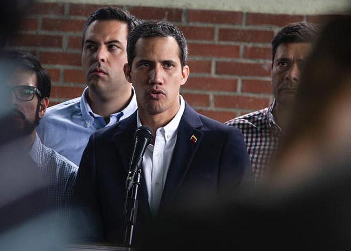 Guaidó: inhabilitado por salir 91 veces de Venezuela