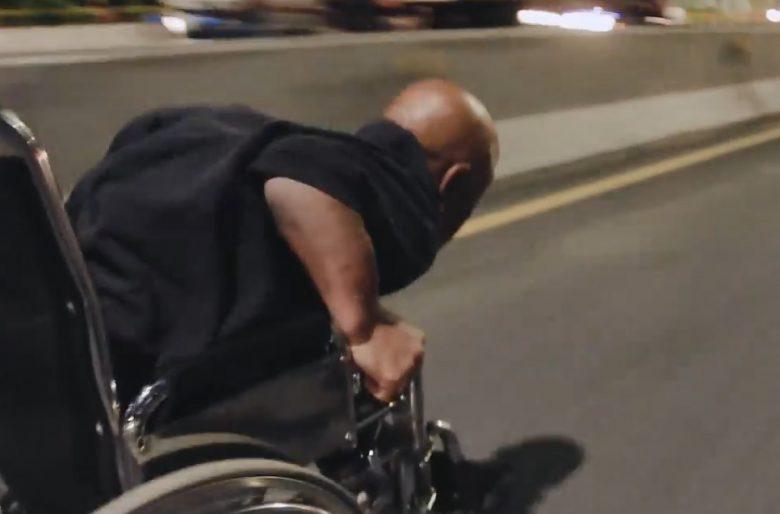 [Video]: Piques de silla de ruedas en plena vía pública en Medellín