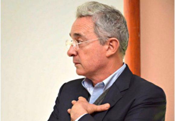 La embarrada de Uribe: confundió