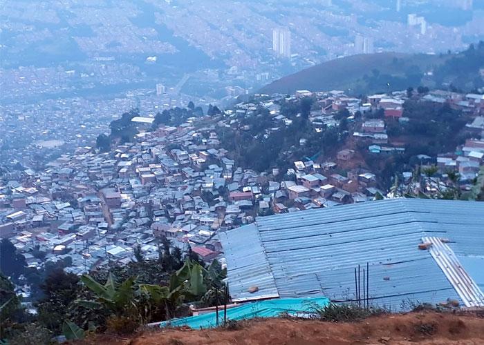 En la vereda Granizal, banda pretende cobrar $8000 semanales por agua que ni siquiera es potable
