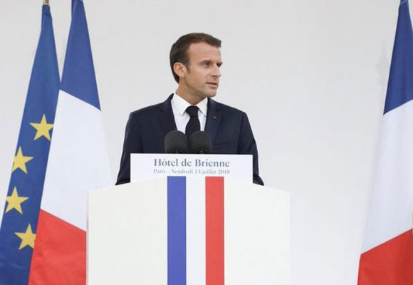 Emmanuel Macron, de héroe en Europa a villano en Francia
