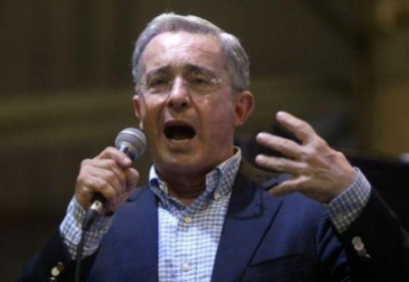 Pelando el cobre. La retrotopía de Uribe
